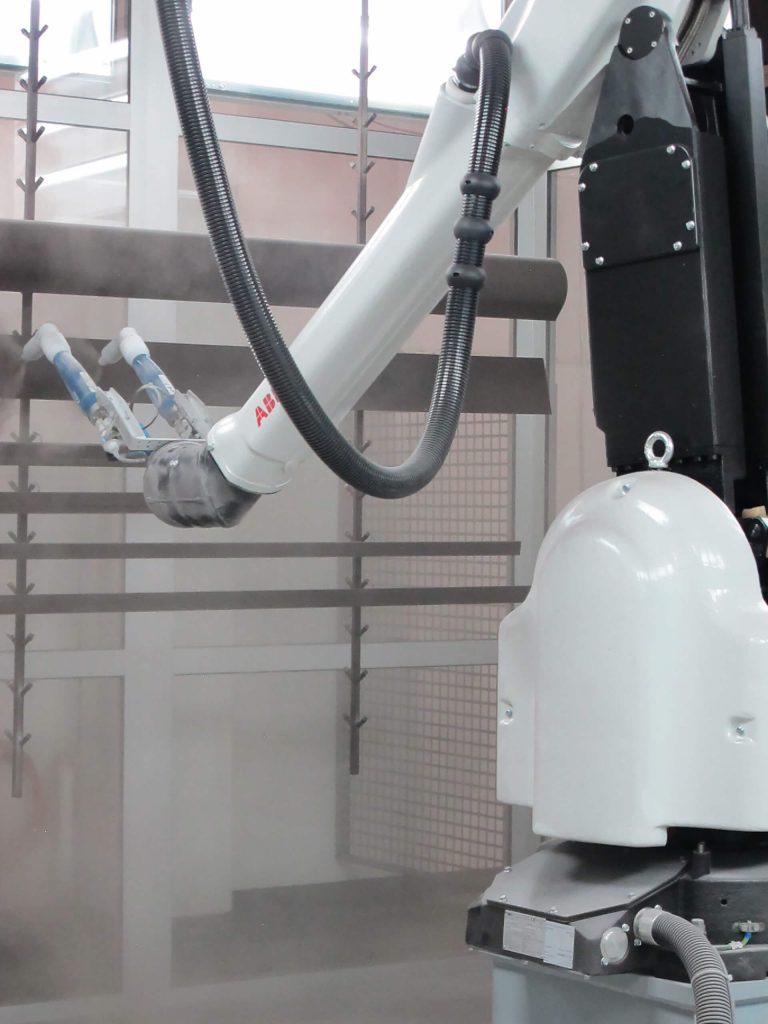 Zu sehen ist ein Pulverbeschichtungsroboter
